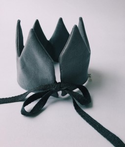 Dark Grey Crown