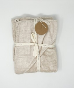 BABY HOODED TOWEL. COTTON
