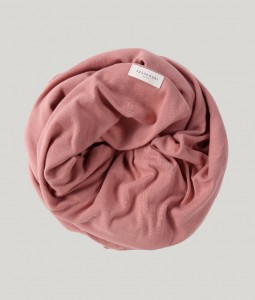 ORGANIC SWADDLE BLANKET. PINK CLAY