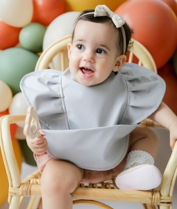 Dove Frill | Snuggle Bib Waterproof